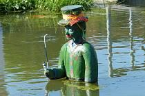 Vodník v rybníčku v Újezdě nedaleko Kozinova statku.