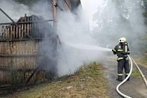Požár stodoly v Jeníkovicích.