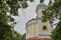 Kostel sv. Anny na vrchu Tanaberk.
