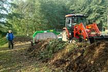 Kompostárnu už si zřídila řada obcí v ČR. V té bělské budou shromaždovat trávu, listí a větve, odevzdávat tam není možné např. hnůj a zbytky z kuchyně.