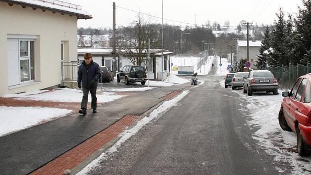 Nová ulice u zdravotního střediska.