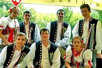 Bulácí v Ostravě na festivalu Folklor bez hranic. Chodsko předvedli (nahoře zleva) Marta Růžková, Daniel Dřímal, Václav Buršík, Martin Majer a (dole zleva) Marek Budka, Josef Jarábek i Anežka Bayerová v tom nejlepším světle.