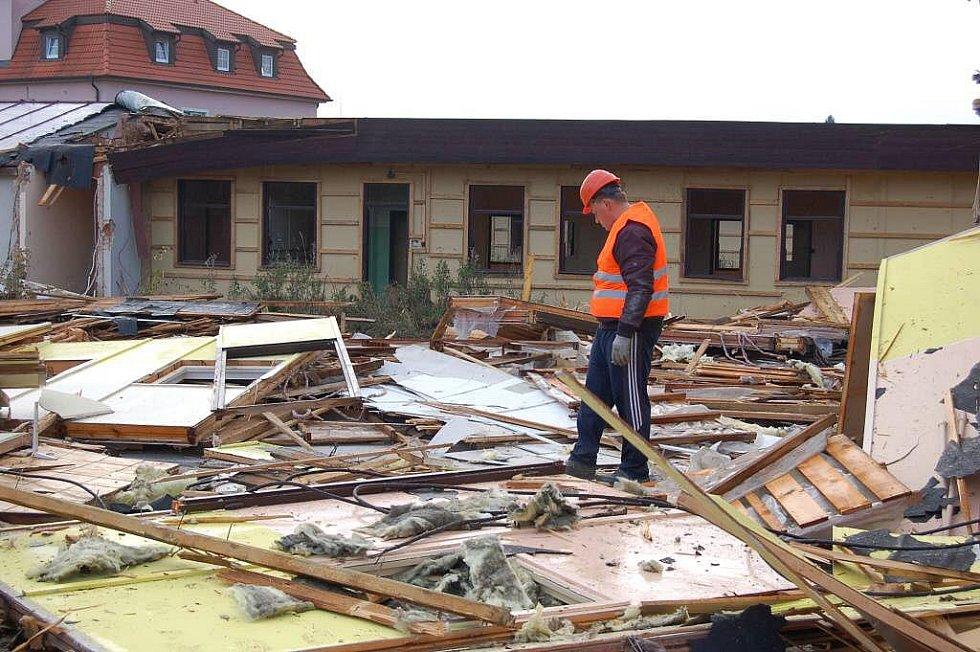 Demolice MŠ Poběžovice, čtvrtek 20. října 2011.