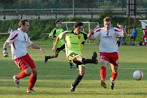 Z utkání FK Holýšov s Baníkem Stříbro.
