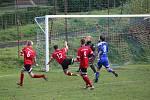 Sokol Milavče (v červeném) - Hraničář Česká Kubice (v modrém) 0:3 (0:1).
