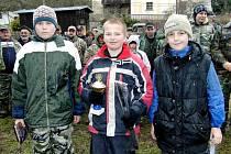 Z rybářských závodů v Újezdě Svatého Kříže. Nejlepší z dětské kategorie zleva Pavel Hájek, Adam Holík a Matěj Pech.