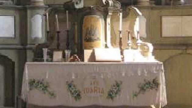 Bukovec se snaží opravit kostel. S nákladnou opravou už obci pomohla i Sazka.