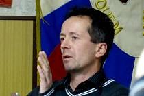 LUBOMÍR KULÍK. Místostarosta Klenčí vysvětloval, jaké důvody ho vedly k přehodnocení názoru na prodej lesa.