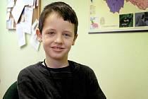 Devítiletý Zdeněk Komorous ze Staňkova chodí do třetí třídy.