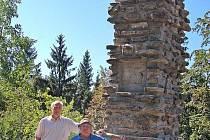 POMNÍK EMILA TŠÍDY na vrchu Ráj byl obnoven za necelý měsíc. Slavnostně odhalen bude 28. září