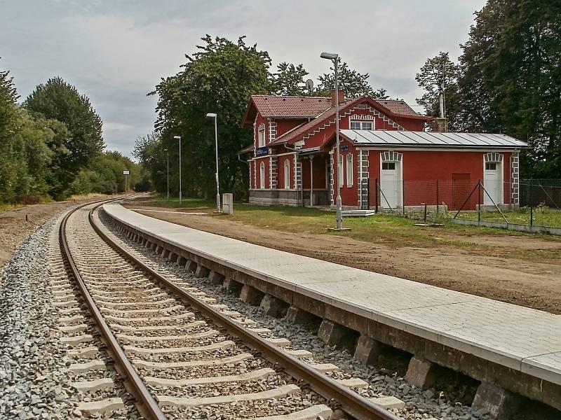 Práce na dobříkovském nádraží. Foto: Zdeněk Huspek