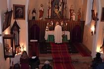 Mše svatá v Chodské Lhotě.