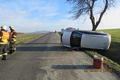 Nehoda na silnici mezi Mrákovem a Koutem na Šumavě.