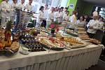 Kurz studené kuchyně se uskutečnil v minulém týdnu v SOU Domažlice. Absolvovalo ho devatenáct žáků z různých ročníků.