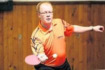 Německý stolní tenista Uli Hosse (viz foto) na Velké ceně Nýřan vypadl s pozdějším vítězem Šulcem. S ním ovšem vítěz hlavního turnaje z r. 2009 ovládl turnaj ve čtyřhře.