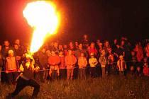 Ohňová šou horšovskotýnských Samotářů.