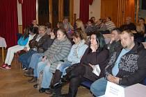 Obyvatelé centra města na jednání zastupitelstva upozornili na problémy s hlukem a výtržnostmi.