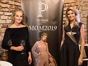 Z prezentace nové kolekce MOM2019. Iveta Paulerová (vlevo) a Iveta Vítová (vpravo).
