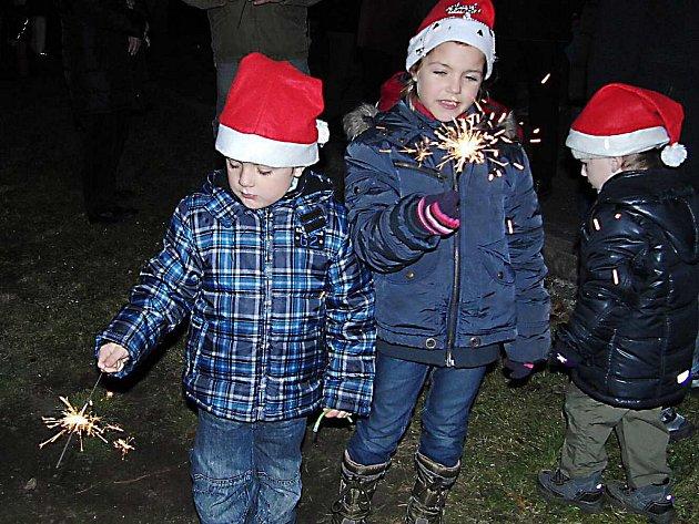 Z rozsvícení vánočního stromku v Draženově