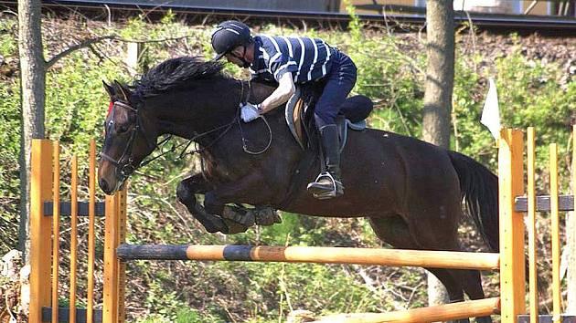 Jezdec Josef Hřebík s koněm Patrik Svržno.