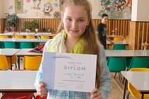 KAROLÍNA BENDOVÁ zvítězila v nejstarší kategorii okresního kola matematické olympiády.