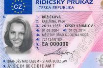Od nového roku budou platit řidičáky už jen s logem EU.