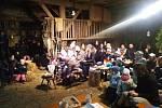 Stodola plná diváků – přesně takto vypadala poslední sobotu před Vánoci stodola v parku u Muzea příhraničí ve Kdyni.