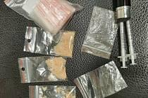 Kriminalisté dopadli osmatřicetiletého dealera drog, který prodával pervitin a marihuanu v Bělé nad Radbuzou.