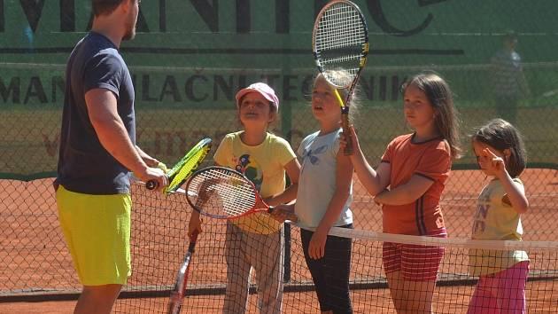 Týden s tenisem bude, vzkazuje Petr Bufka