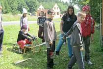 Staňkovská Dráčata na táboře v Mezholezích.