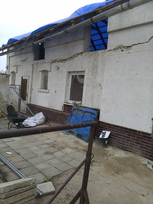 Dům Anny Fehervaryové v Moravské Nové Vsi, který začala s pomocí svých synů opravovat.