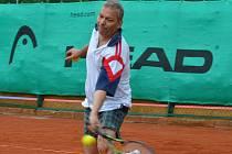 Z utkání okresního Davis Cupu.