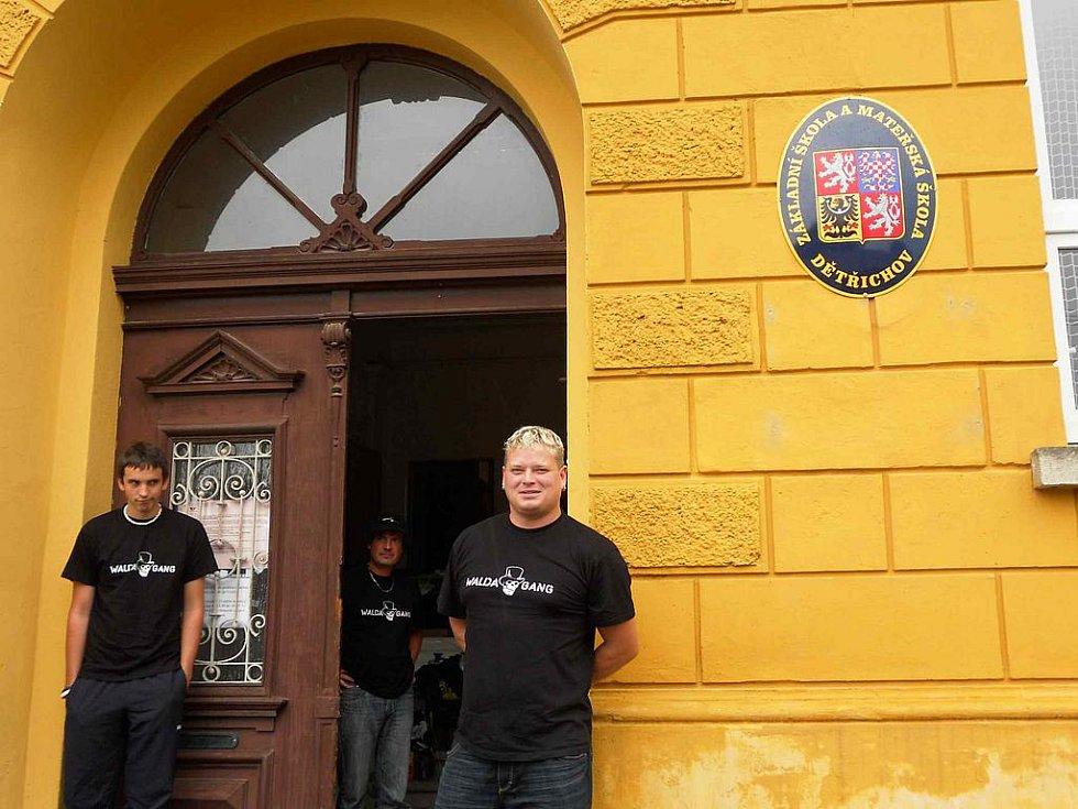 Hostouňští sbírali a předali povodňovou pomoc Dětřichovu na Frýdlantsku.