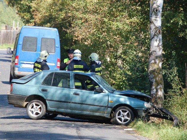 Páteční nehoda u Dolní Kamenice.