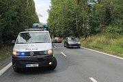Doprava je řízena kyvadlově Policisty v jednom jízdním pruhu.