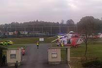 Na místo události byl vyslán také vrtulník.
