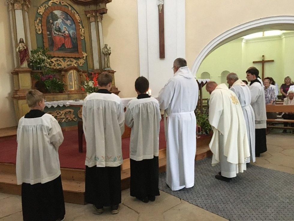 V sobotu 31. července, několik dní po svátku sv. Jáchyma a sv. Anny, slavilo poutní místo Tanaberk Anenskou pouť.