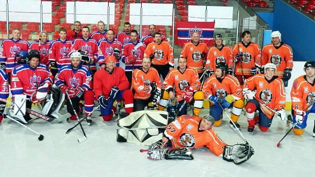 Hokejisté CSKA Domažlice se v přípravě na turnaj utkali s Vačicemi Klatovy.