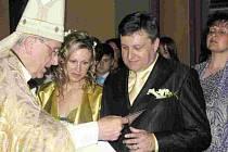 Za svůj svatební den si Vladislav a Blanka Vilímcovi vybrali sobotu dvanáctého července. Ano si řekli v kapli  zbirožského  zámku. Oddával  je  arcibiskup Radkovský.