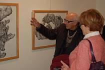 Z vernisáže výstavy kreseb Miloslava Hejného v Domažlicích.