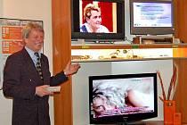 Po změně vysílacích kanálů není v regionu situace tak příznivá, jak bylo 8. března 2007 slibováno na domažlické radnici při první prezentaci televizní digitalizace Domažlicka.