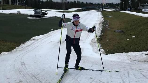 Kateřina Razýmová si ani u polárního kruhu ve Finsku příliš sněhu neužívá.