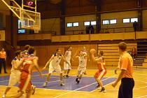 Snímek z utkání basketbalistů Jiskry Domažlice.