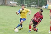 FINÁLOVÁ JÍZDA. V posledním utkání se rozhodovalo o vítězi turnaje. Závěrečný duel vyzněl lépe pro tým krajského přeboru FK Holýšov, který porazil 1.FC Horšovský Týn poměrem 1:2.