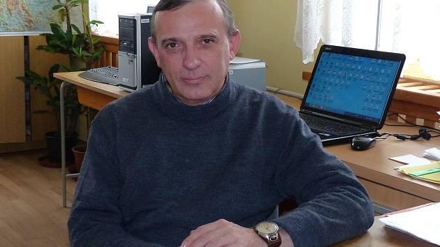 MIROSLAV KABOUREK začíná jako zastupitel třetí volební období, nyní usedl na křeslo starosty.
