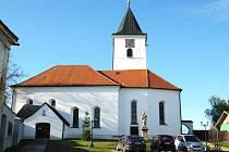 V kostele sv. archanděla Michaela ve Všerubech sloužena Děkovná mše za přítomnosti plzeňského biskupa Františka Radkovského