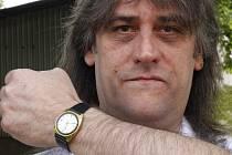 Libor Ježek ze Kdyně je vášnivým sběratelem hodinek značky Prim. Jiné by si nikdy nekoupil.