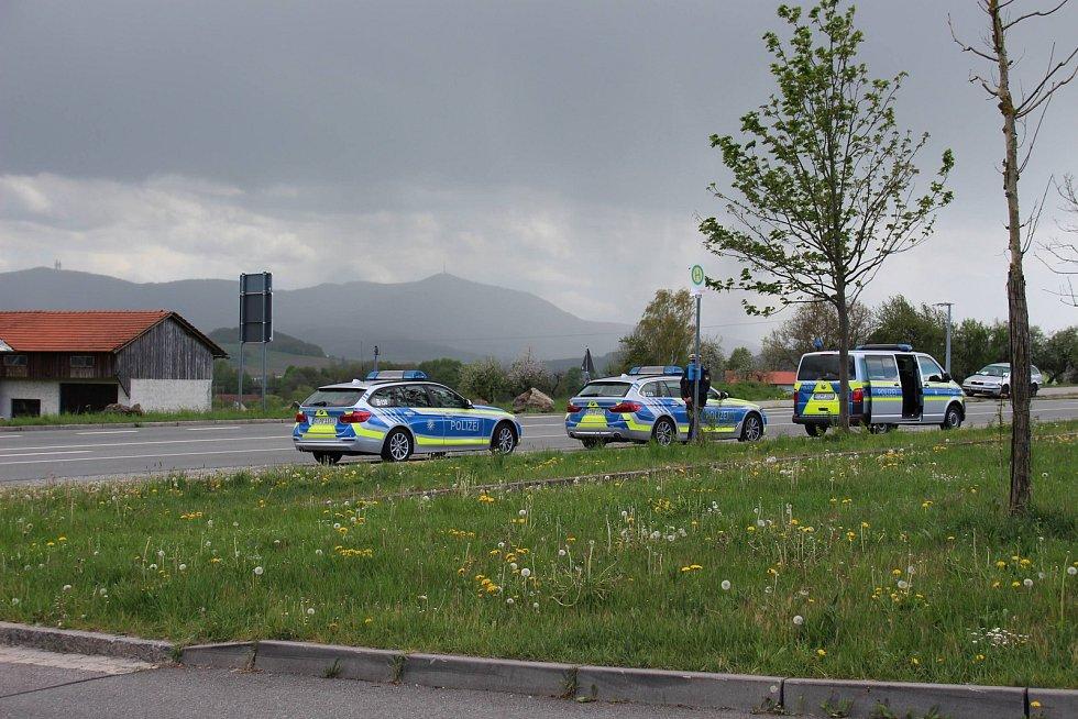 Petiční akce pendlerů v Schafbergu. Bavorská policie.