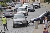Úterní nehoda v centru Domažlic.