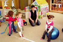 Mateřskou školu v Kvíčovicích navštěvují i děti ze Štichova, Všekar či Neuměře.